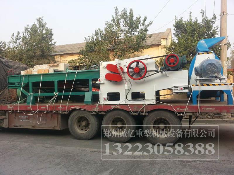 上海嘉定客户模板粉碎机
